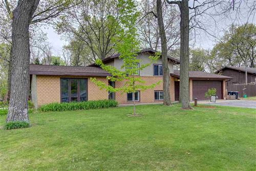 Photo of W8987 Hilltop Rd, Portage, WI 53901 (MLS # 1908815)