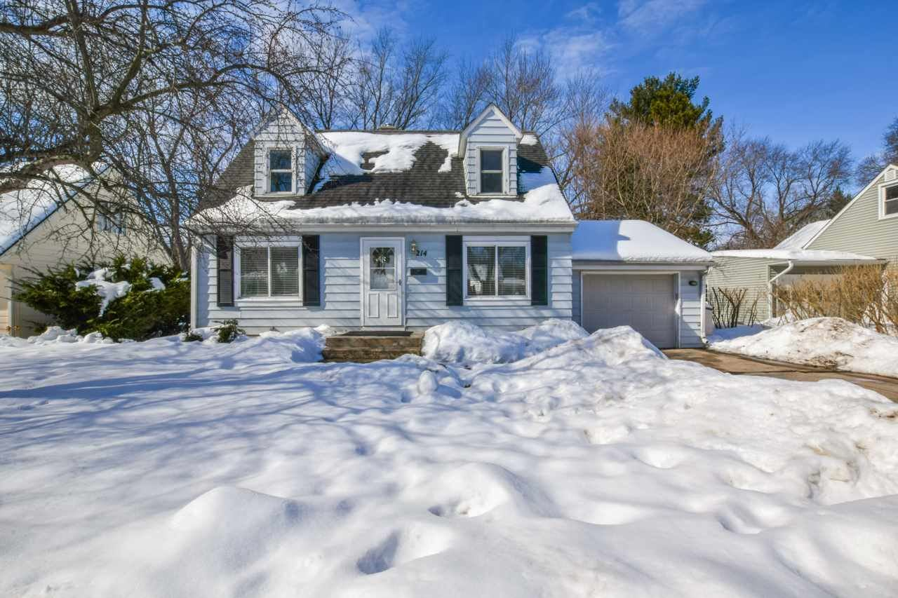 214 N Hillside Terr, Madison, WI 53705 - #: 1902816