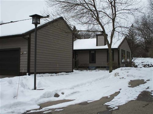 Photo of 124 Glenview Ct, Janesville, WI 53548 (MLS # 1900820)