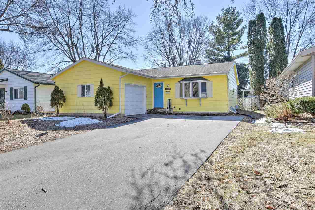 Photo for 6021 Birch Hill Dr, Madison, WI 53711 (MLS # 1878821)