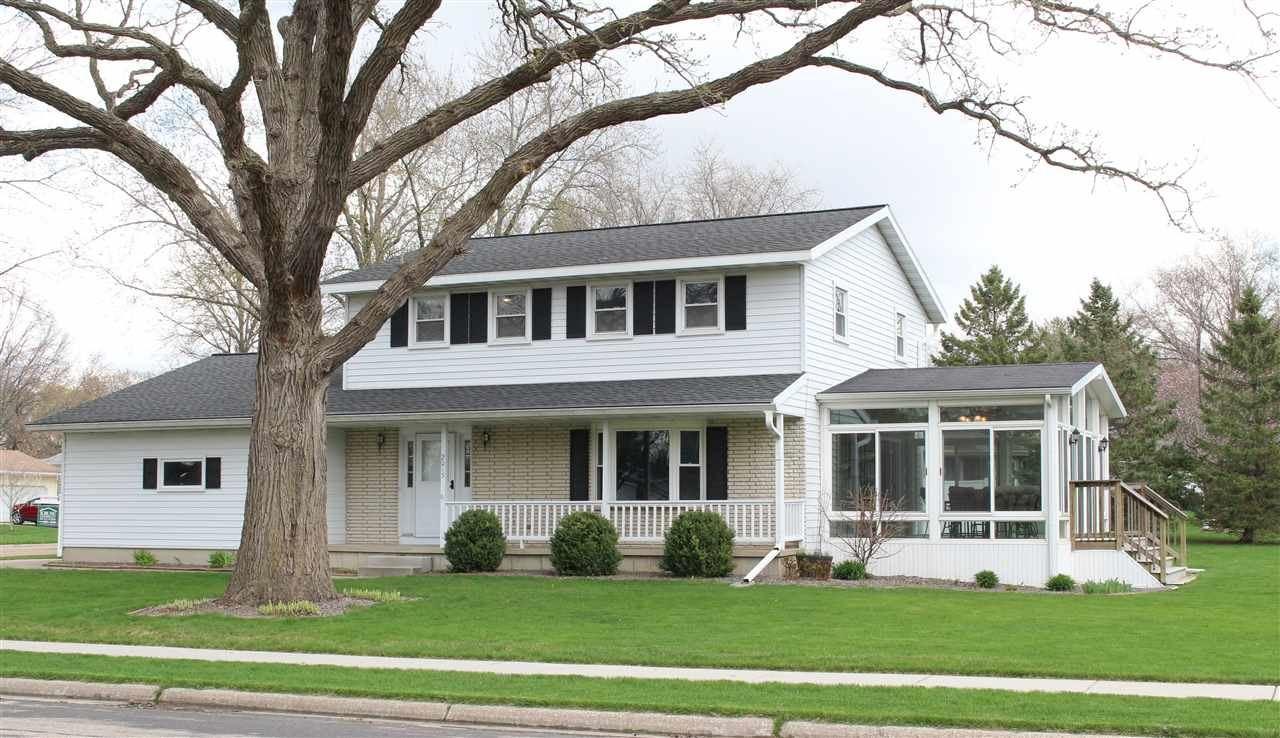 2015 Michigan Ave, Sun Prairie, WI 53590 - #: 1905821