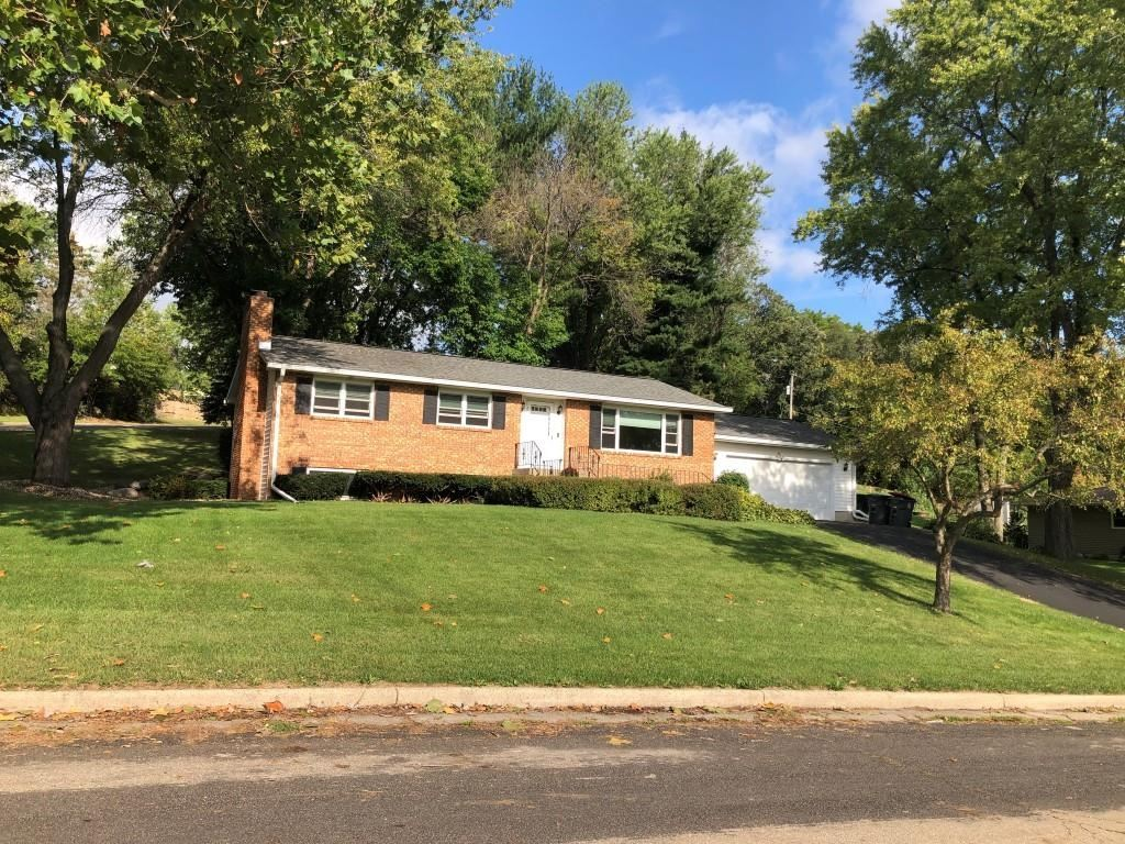 Photo for 6079 Valleybrook  Rd, Waunakee, WI 53597 (MLS # 1919821)