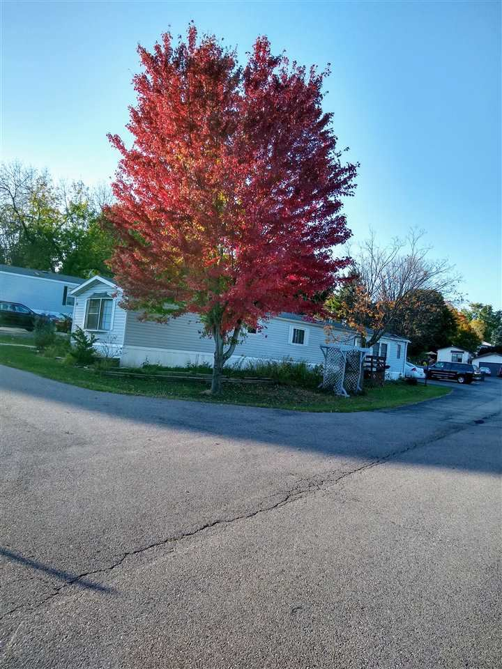 53 Apple Hill Dr, Blue Mounds, WI 53517 - #: 1899824