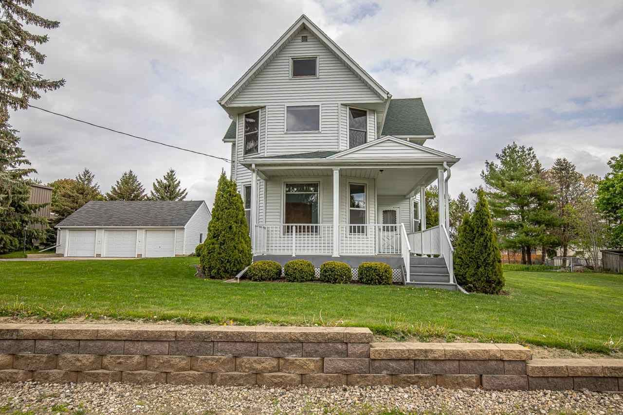 608 N Main St, Cottage Grove, WI 53527 - #: 1908826