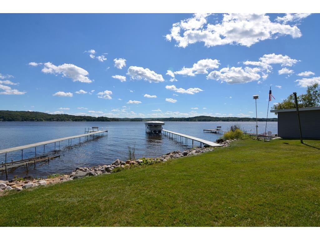 726 Lake Wisconsin Dr, Merrimac, WI 53561 - #: 1892831
