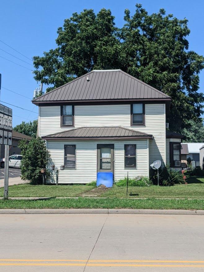 517 E Blackhawk Ave, Prairie du Chien, WI 53821 - #: 1874833