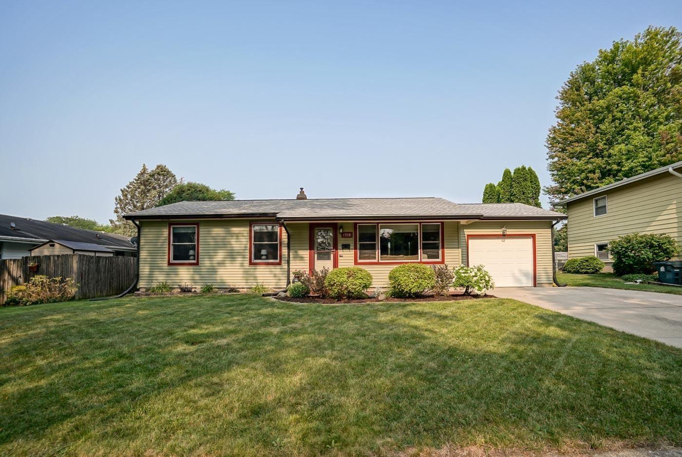 1318 Bay Ridge Rd, Madison, WI 53716 - #: 1919833