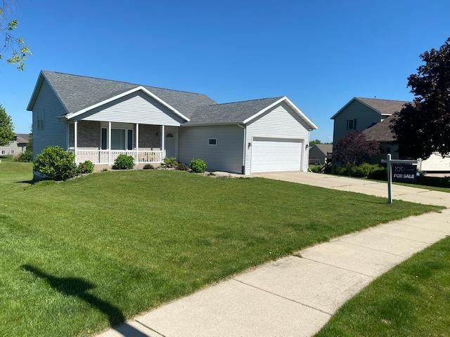 669 N Woods Edge Dr, Oregon, WI 53575 - #: 1903834