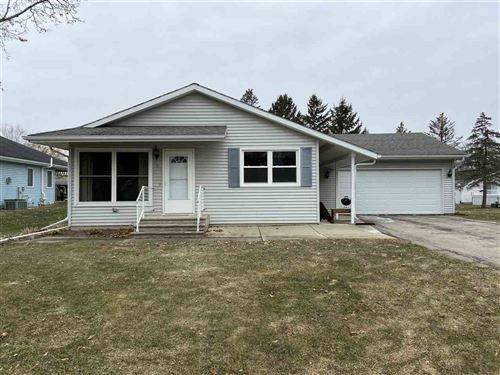 Photo of 208 Pearl St, Reeseville, WI 53579 (MLS # 1873836)