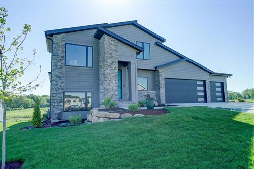 Photo of 2616 Notre Dame Dr, Fitchburg, WI 53711 (MLS # 1881836)