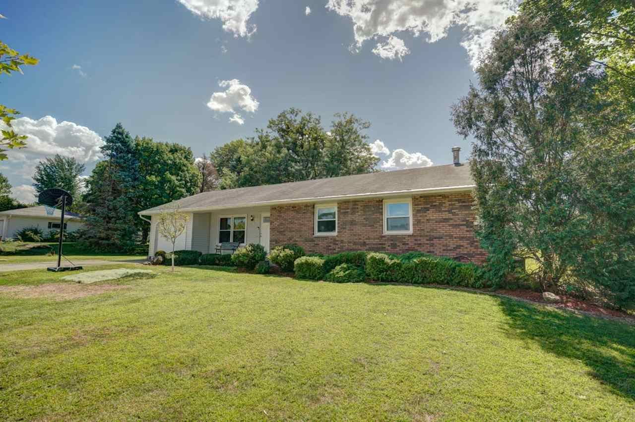4717 Hoover St, Oregon, WI 53575 - #: 1892838