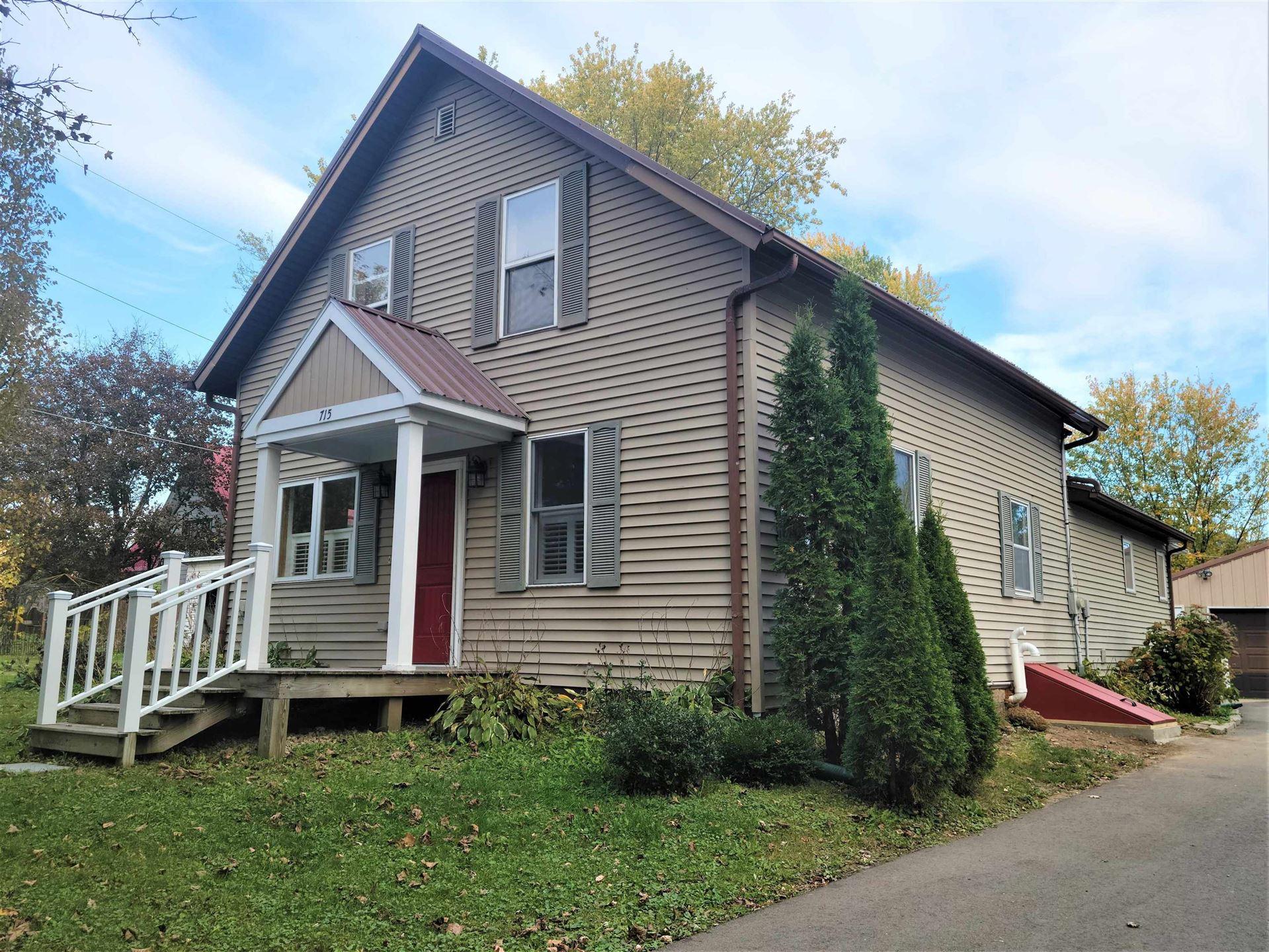 715 Garfield Ave, Viroqua, WI 54665 - #: 1909838