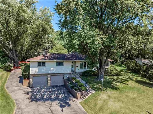 Photo of 712 CRESTVIEW DR, Madison, WI 53716-3619 (MLS # 1888840)
