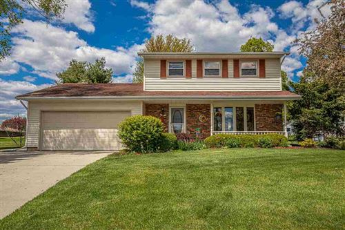 Photo of 583 Riverview Dr, Marshall, WI 53559 (MLS # 1908847)