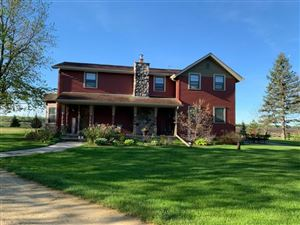 Photo of W7535 Bluff Rd, Whitewater, WI 53190-3860 (MLS # 1850853)