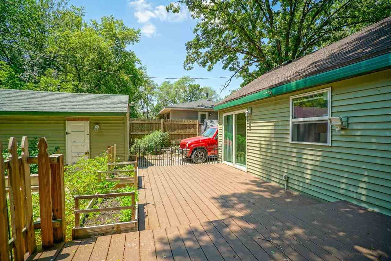 f_1912854_01 Real Estate in 53534 zip code