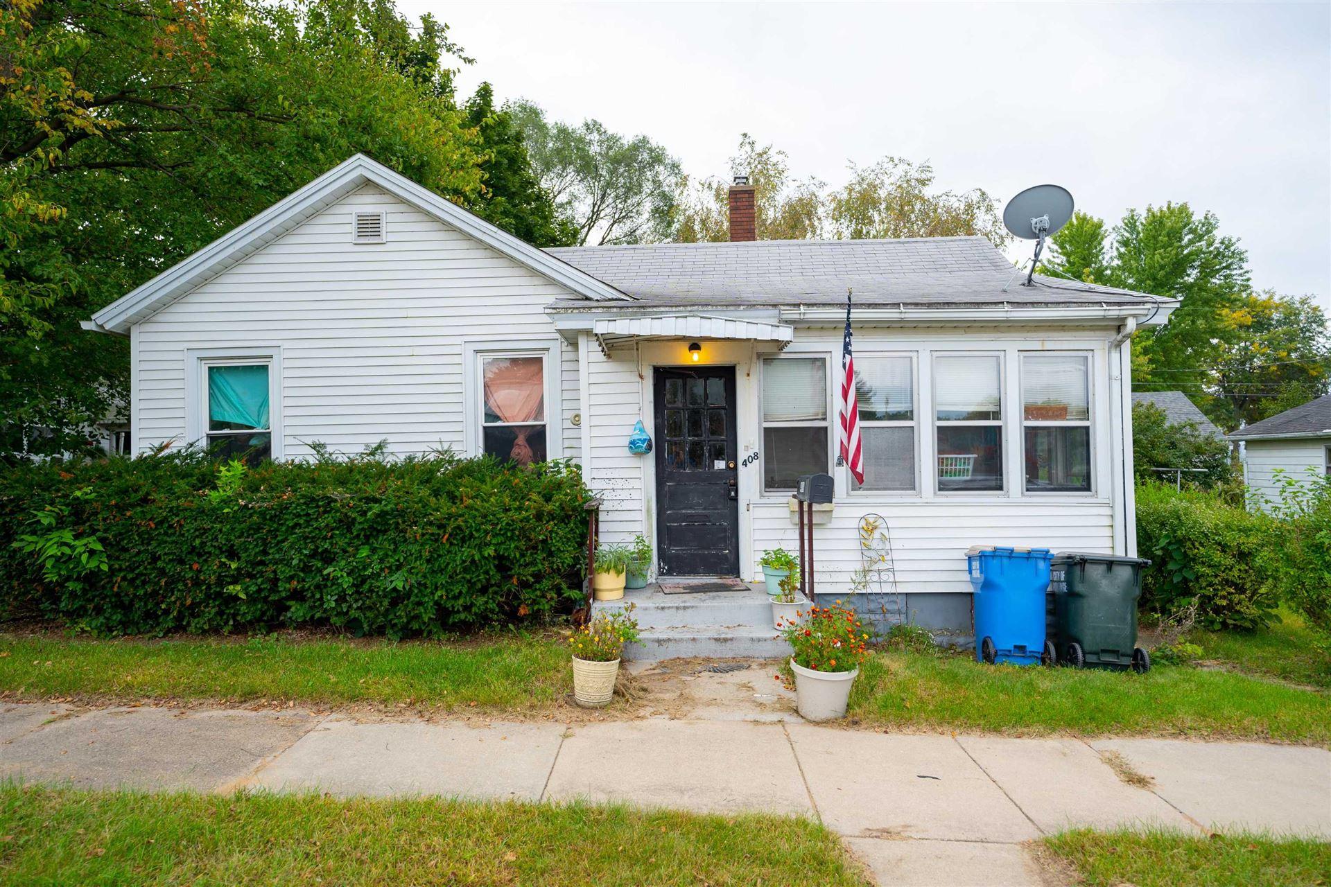 408 E Howard St, Portage, WI 53901 - #: 1920854