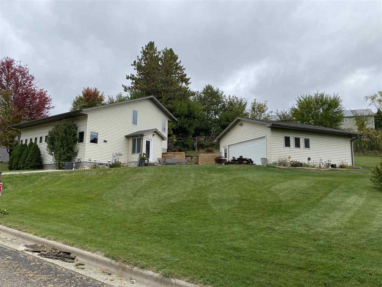 113 William St, Mineral Point, WI 53565 - #: 1894856