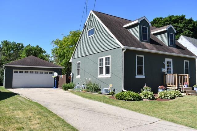 f_1911858_01 Real Estate in 53534 zip code
