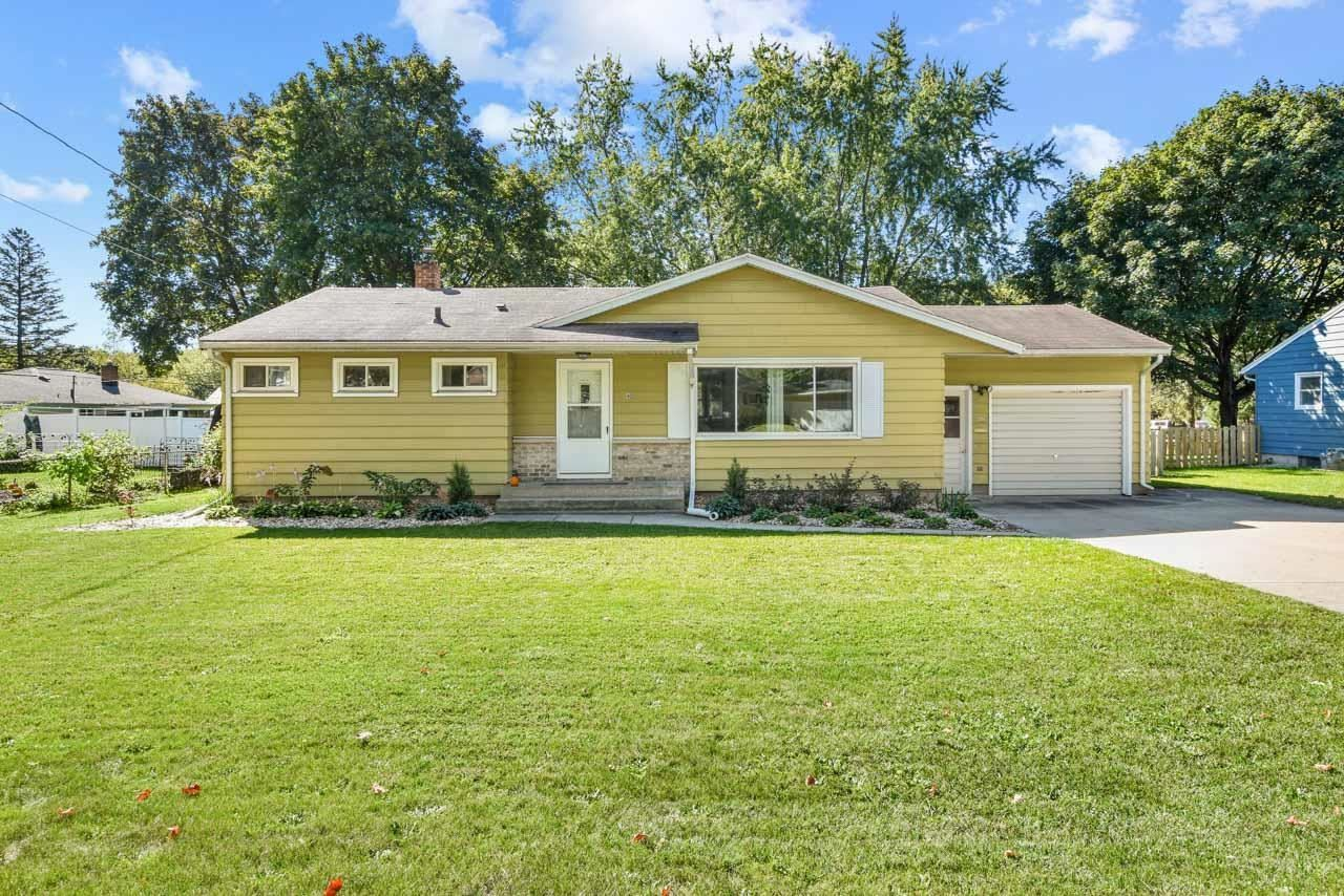 402 Frost Woods Rd, Monona, WI 53716 - #: 1920859