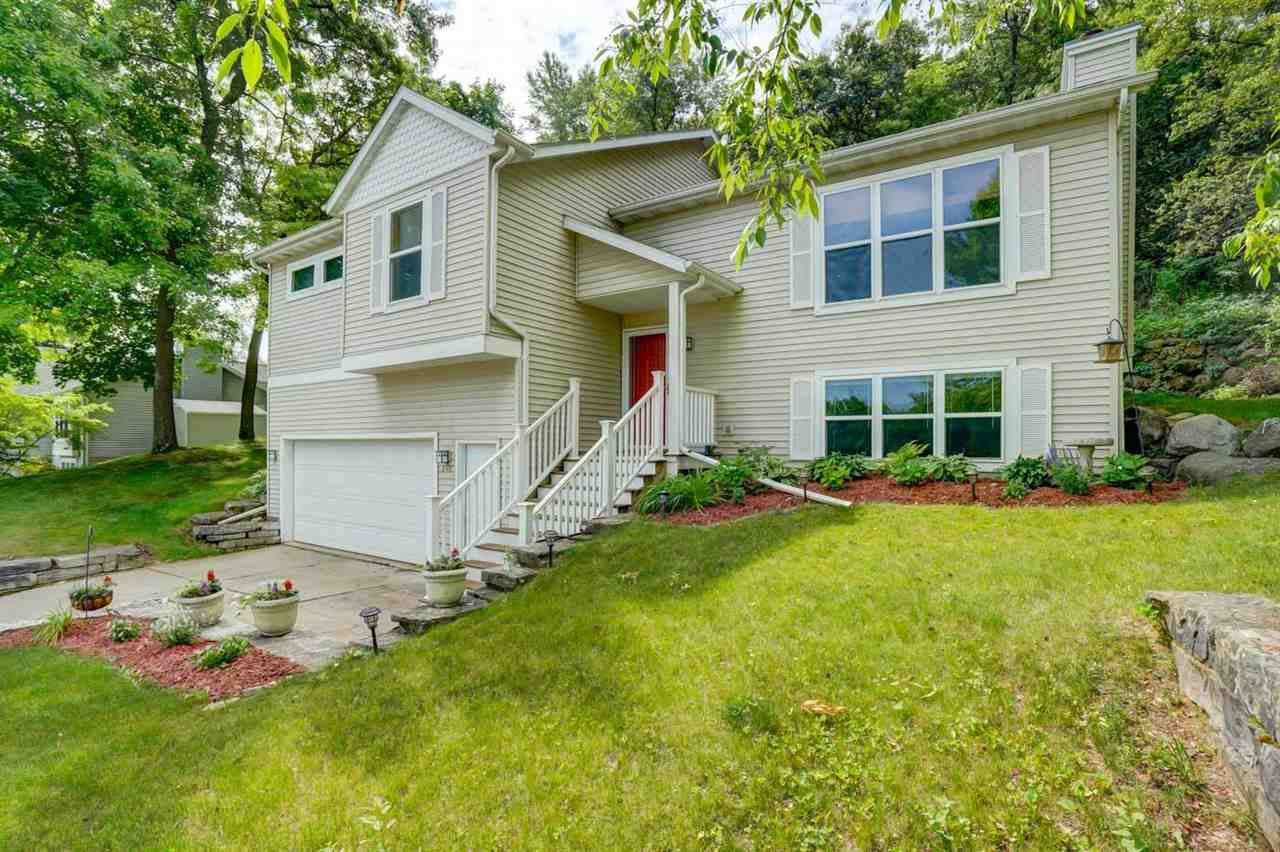 Photo for 248 Taylor St, Cottage Grove, WI 53527 (MLS # 1907862)