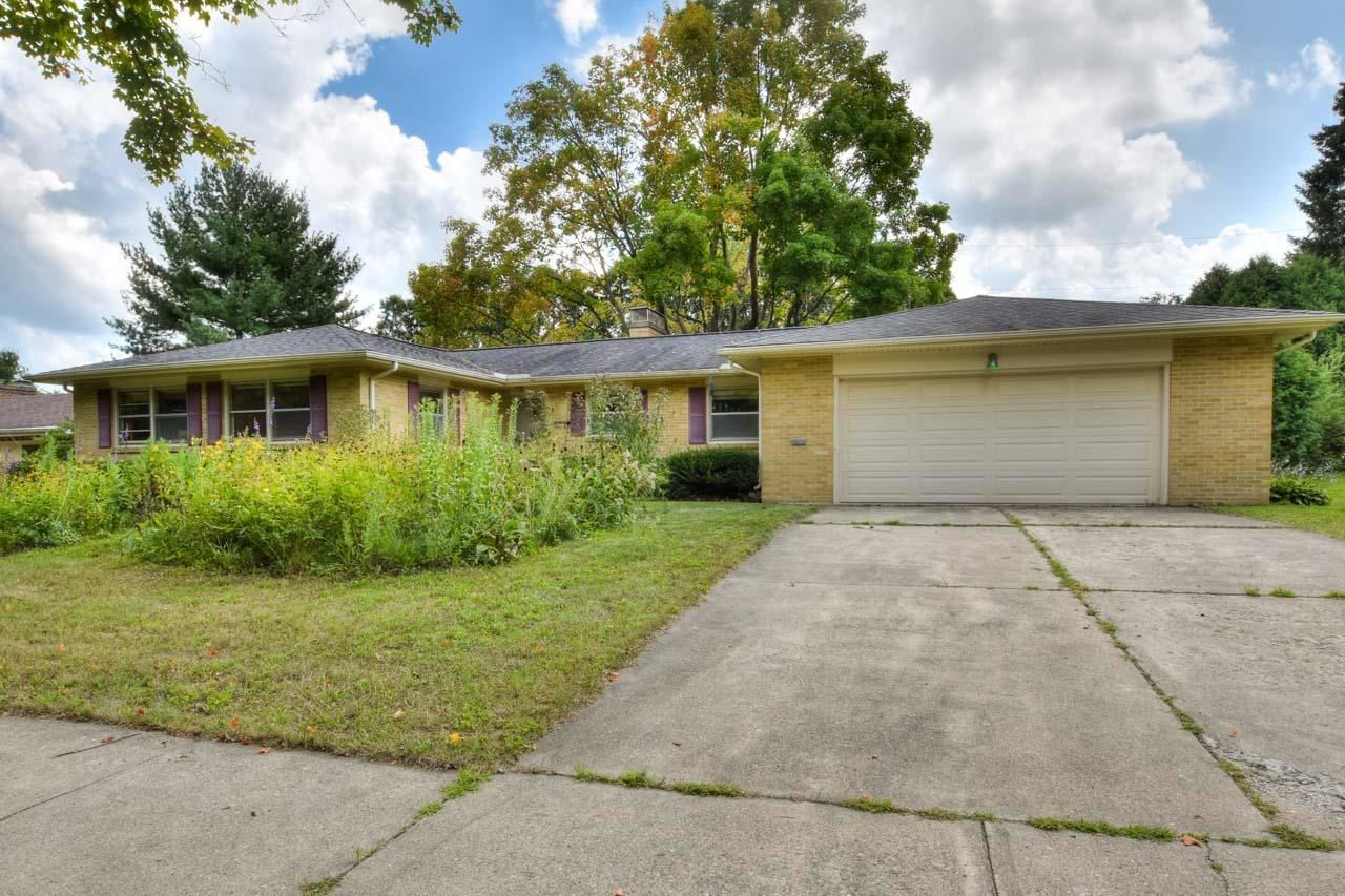Photo for 4421 Waite Ln, Madison, WI 53711 (MLS # 1917864)