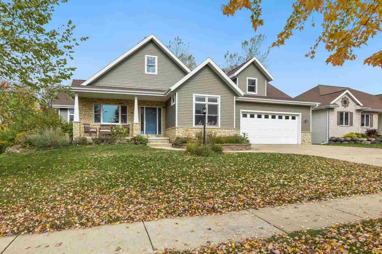702 Weald Bridge Rd, Cottage Grove, WI 53527 - #: 1895867