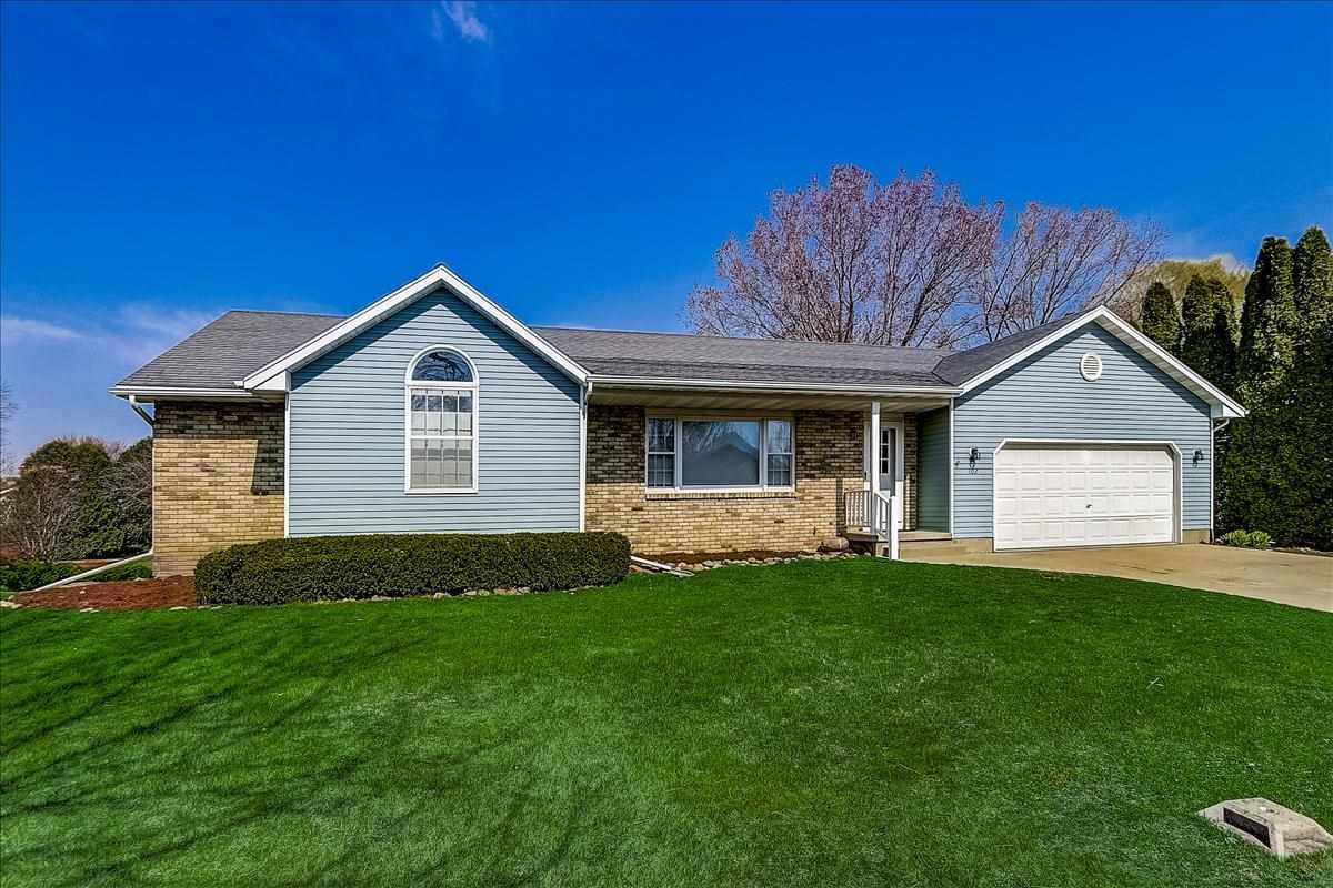 102 Sunset Cir, Columbus, WI 53925 - #: 1905868