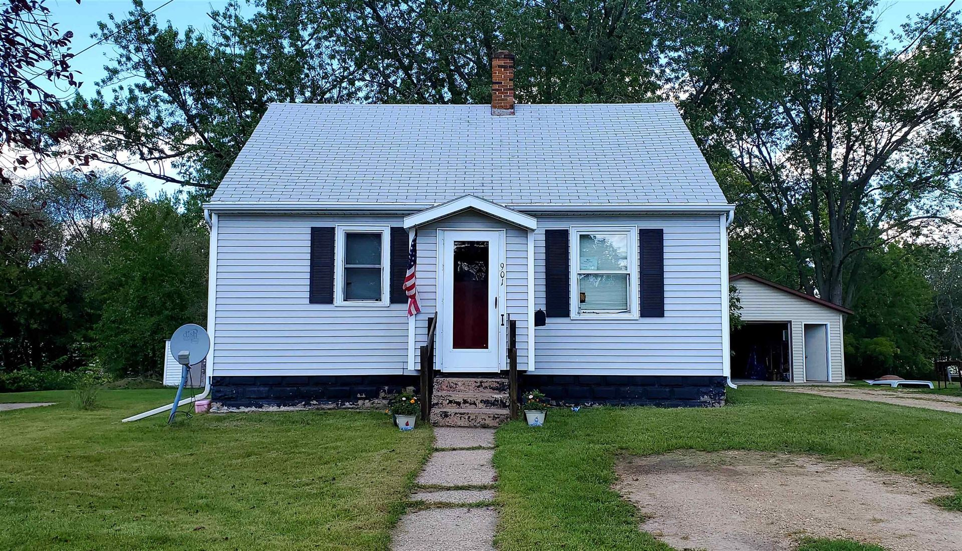 901 W State St, Mauston, WI 53948 - #: 1918868