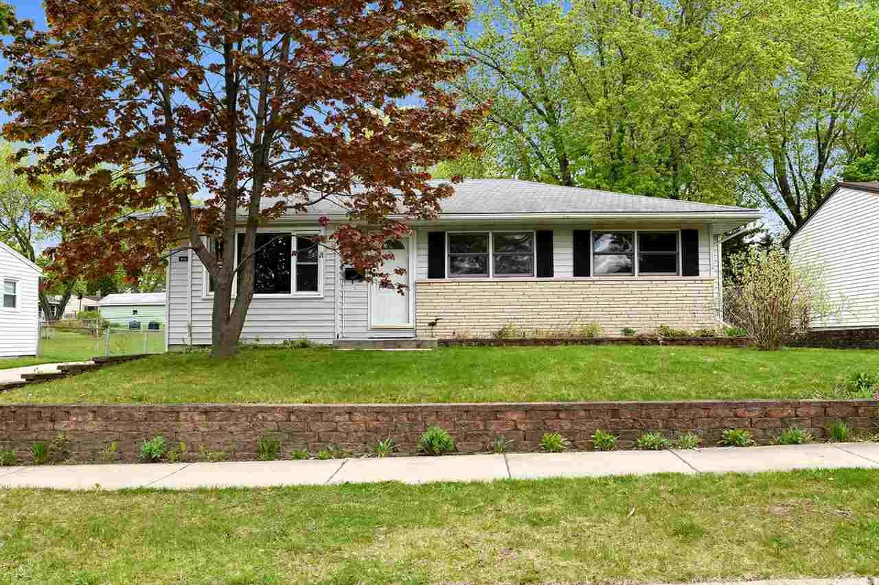 814 Northland Dr, Madison, WI 53704 - #: 1906871