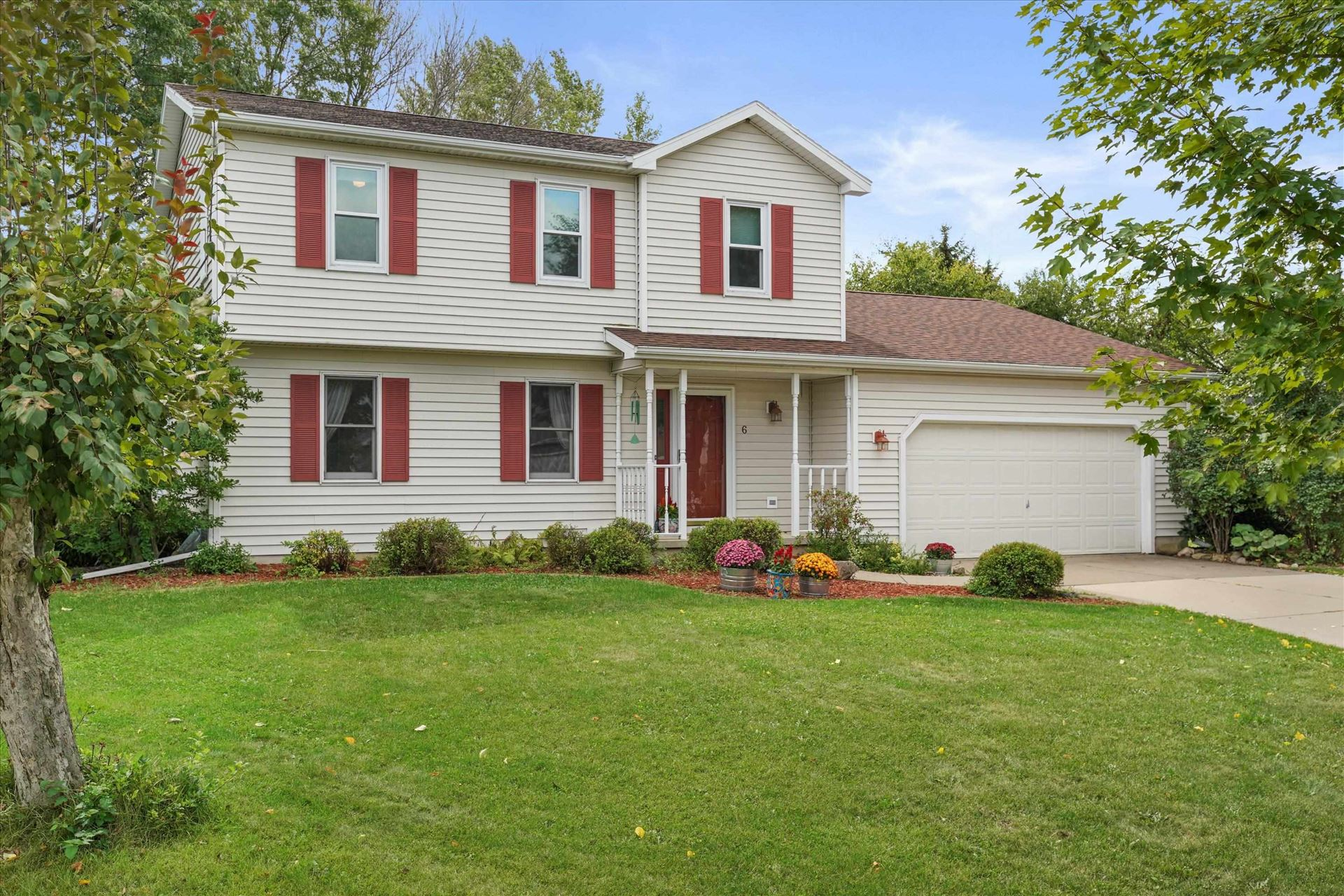 6 Homewood Cir, Madison, WI 53704 - #: 1919871