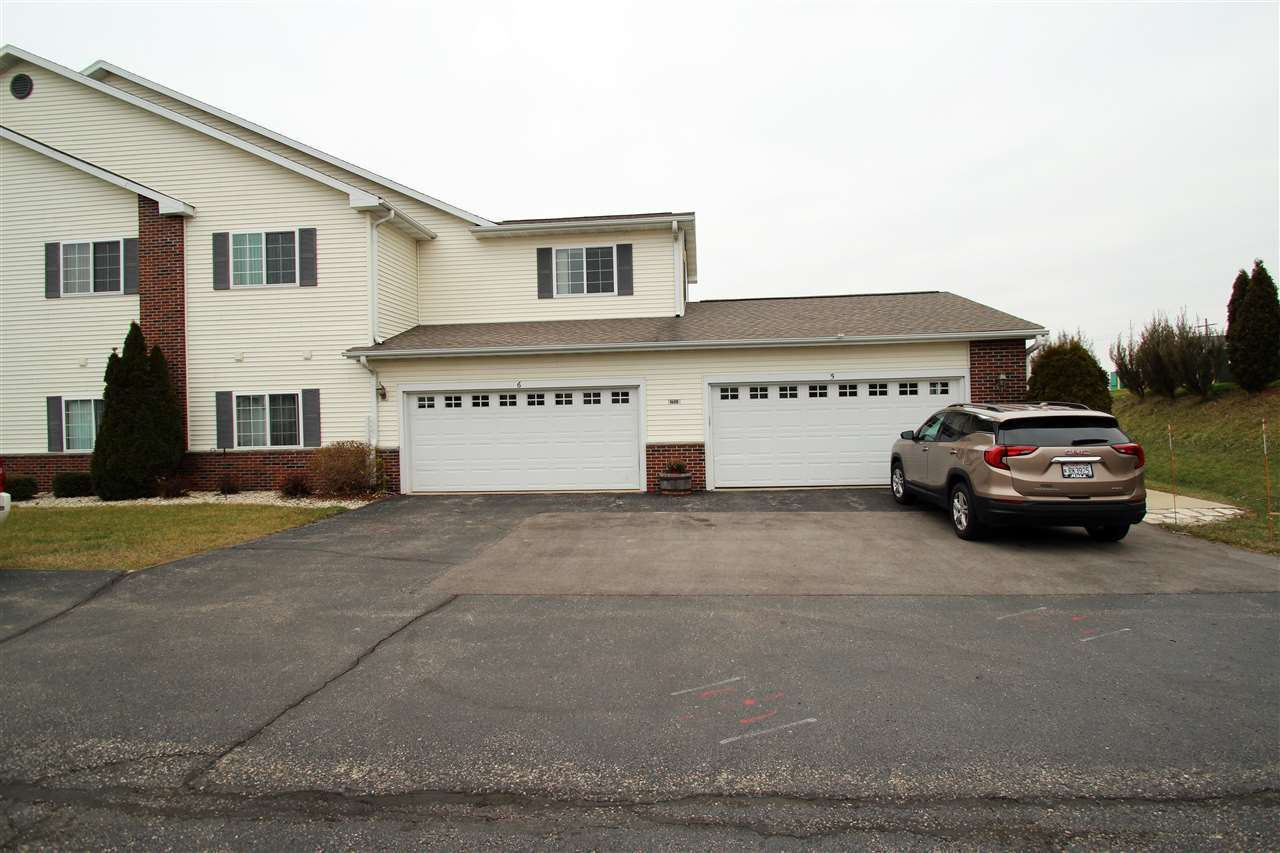 1608 Commonwealth Dr #5, Fort Atkinson, WI 53538 - #: 1899872