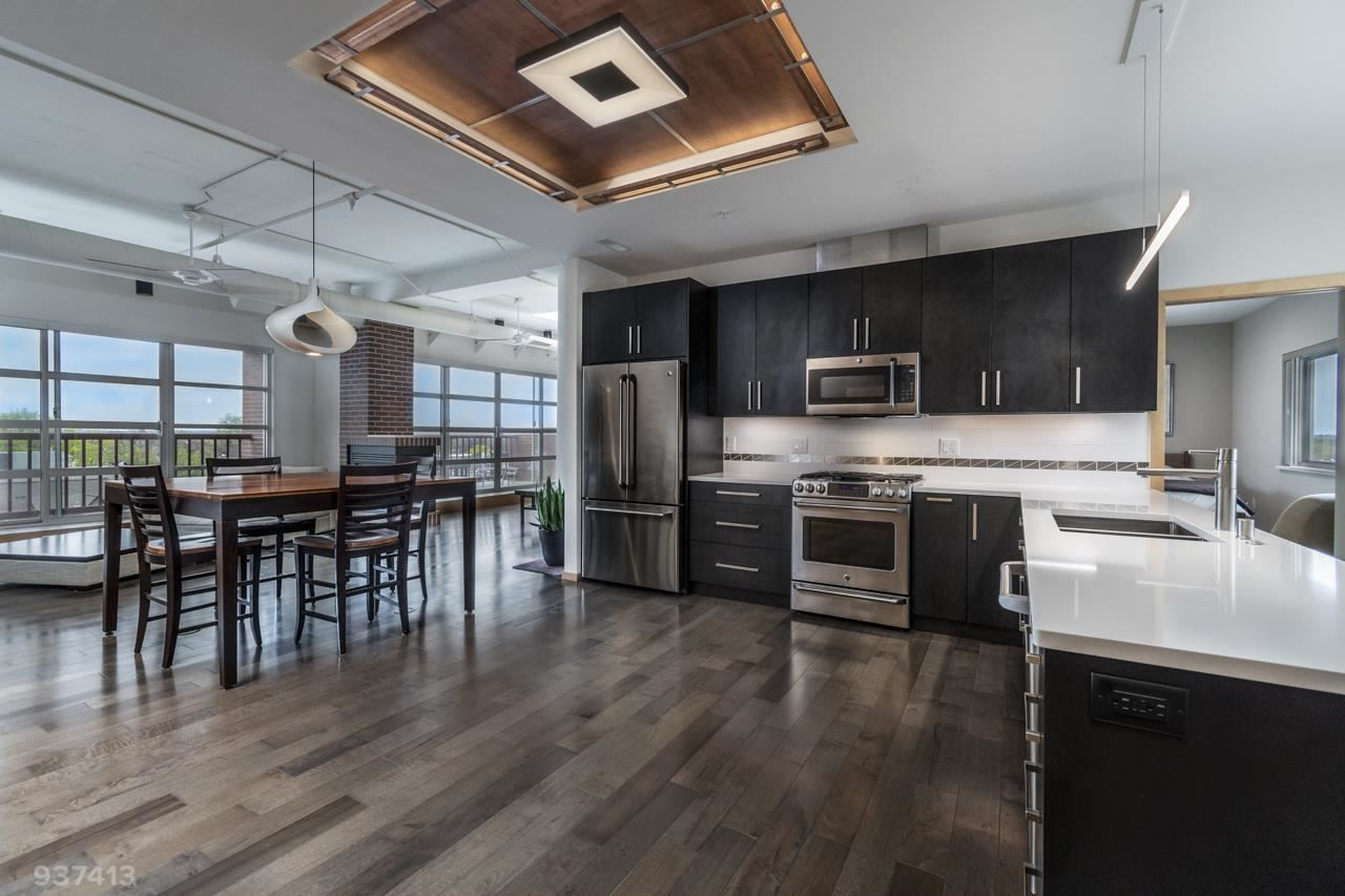 Photo for 155 E Wilson St #602, Madison, WI 53703 (MLS # 1882875)