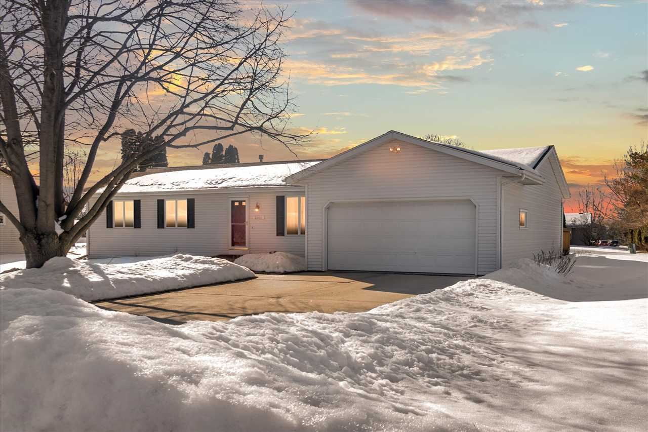 2201 Browning Dr, Janesville, WI 53546 - MLS#: 1902875