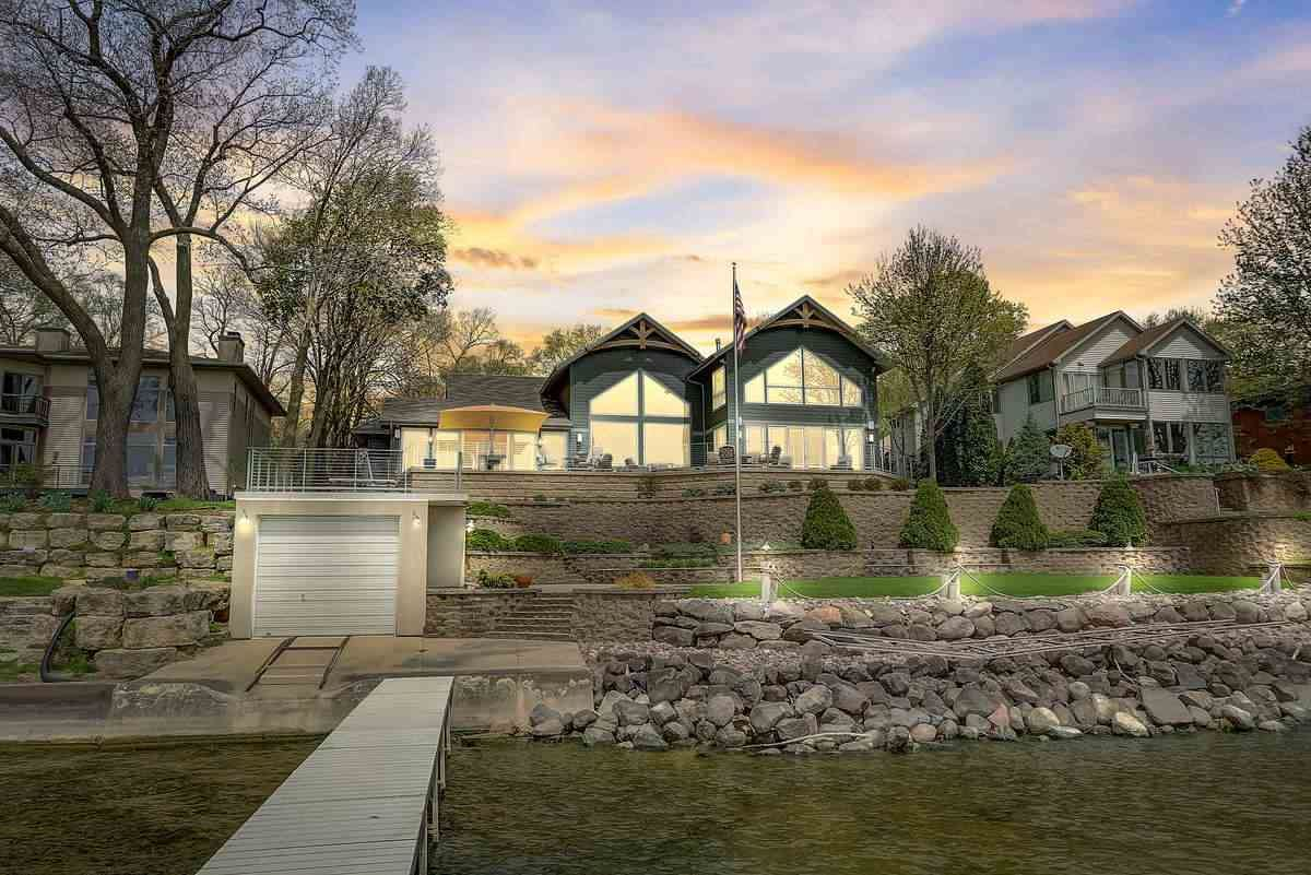 Photo for 813 Woodward Drive, Madison, WI 53704 (MLS # 1915875)