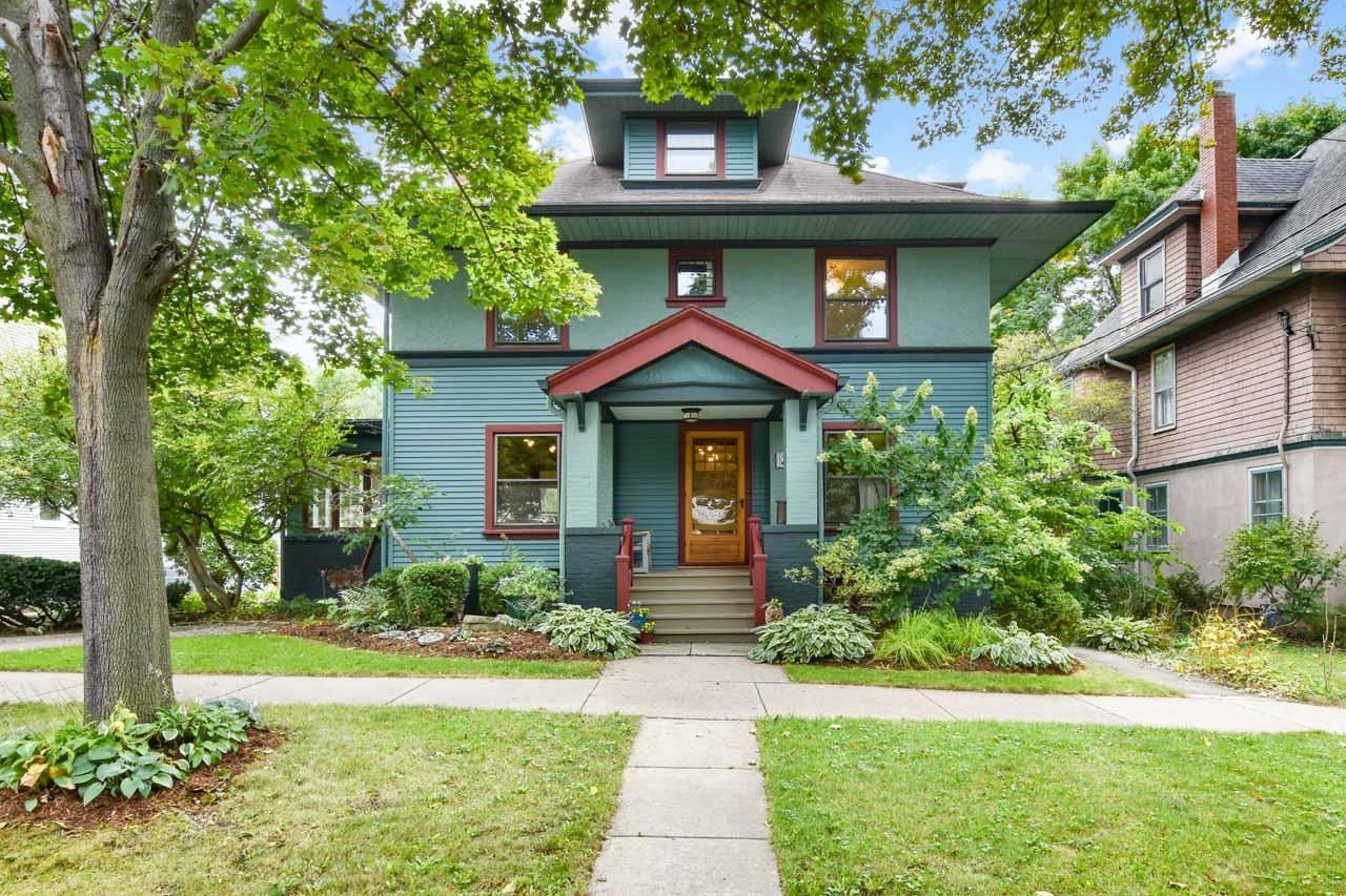 Photo for 1811 Jefferson St, Madison, WI 53711 (MLS # 1920877)