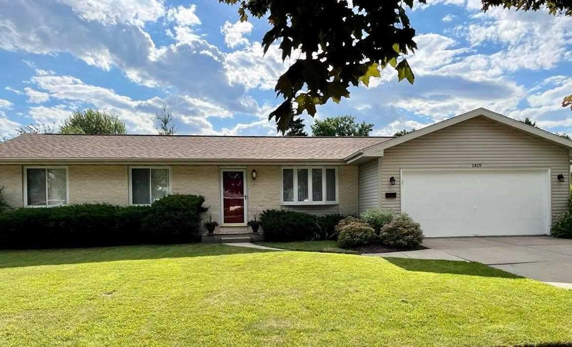 1419 N Harmony Dr, Janesville, WI 53545 - #: 1911883
