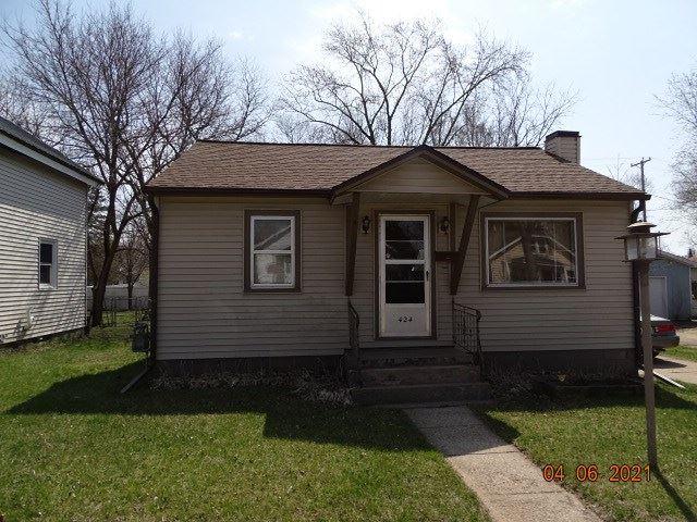 424 E Carroll St, Portage, WI 53901 - #: 1905884