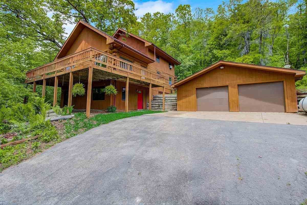 3382 North Rd, Blue Mounds, WI 53517 - #: 1909884