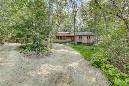 Photo of 2344 Fitchburg Rd, Fitchburg, WI 53593 (MLS # 1895885)