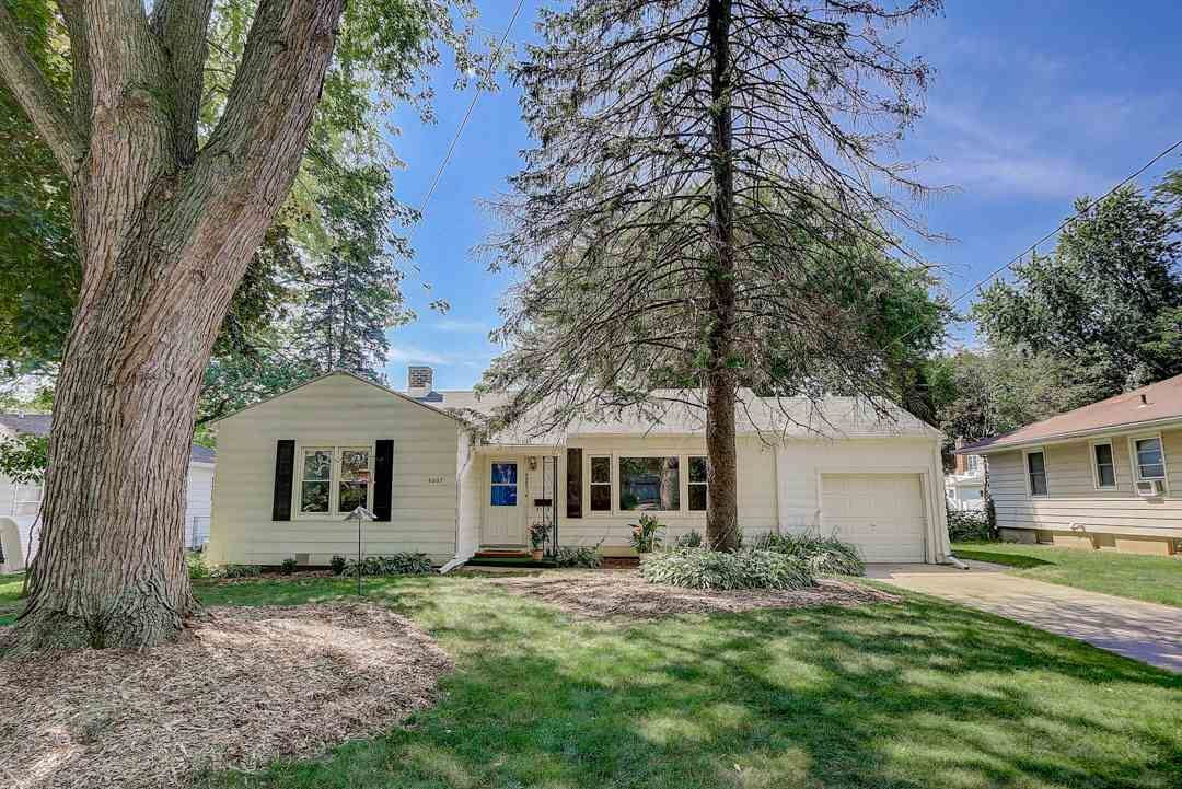 4607 Wallace Ave, Monona, WI 53716 - #: 1890885