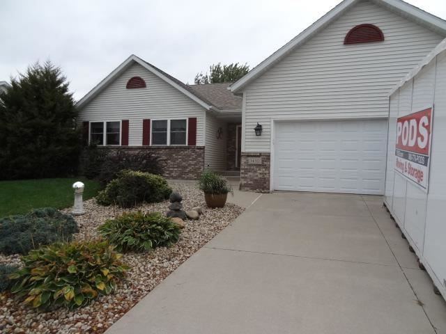 Photo for 1430 Broadway Dr, Sun Prairie, WI 53590 (MLS # 1921888)