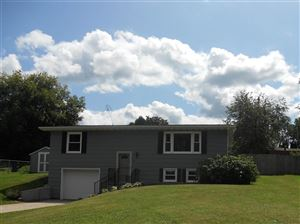 Photo of 103 Hollywood St, Baraboo, WI 53913-2814 (MLS # 1866891)