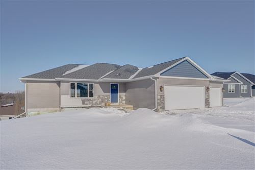Photo of 110 Foxview Ct, Beaver Dam, WI 53916 (MLS # 1876892)
