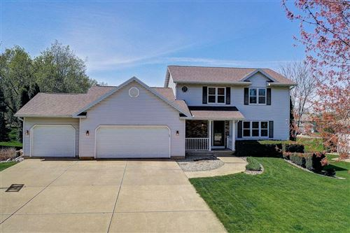 Photo of 802 Lexington Dr, Waunakee, WI 53597 (MLS # 1882893)