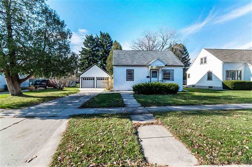 Photo of 427 N Palm St, Janesville, WI 53548 (MLS # 1897895)