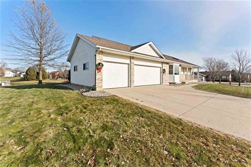 Tiny photo for 1000 N Parkview St, Cottage Grove, WI 53527 (MLS # 1873896)