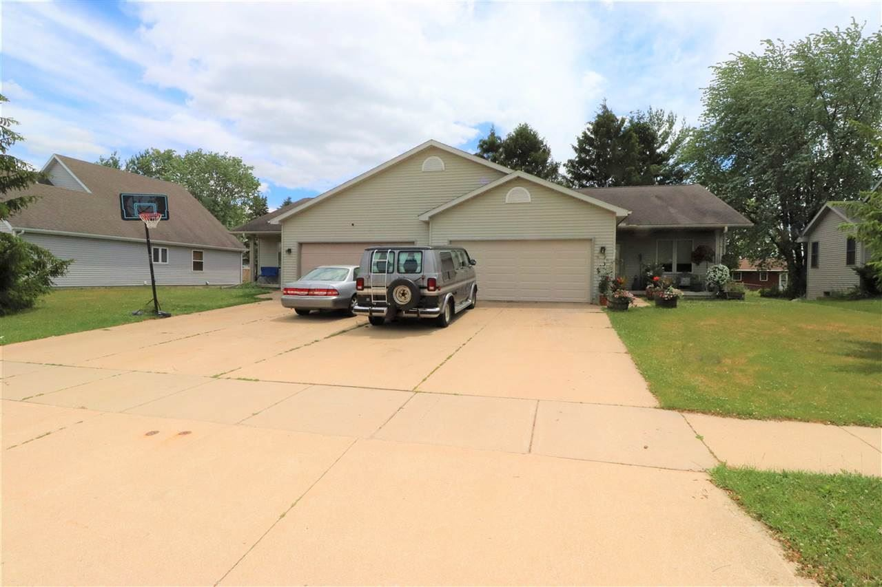 223-225 Division St, Brooklyn, WI 53521 - #: 1912897