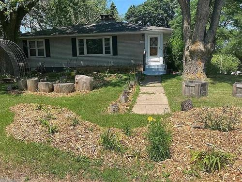 Photo of 1662 Mayfield Ln, Madison, WI 53704-2144 (MLS # 1914899)