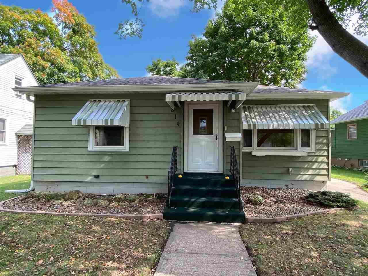 814 N Wacouta Ave, Prairie du Chien, WI 53821 - #: 1893904